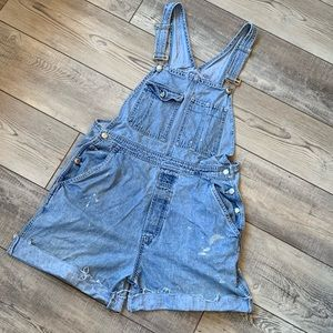 GAP VINTAGE OVERALL CUT OFF SHORTS